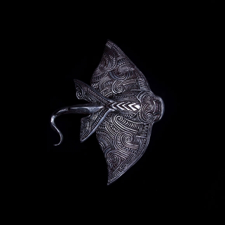 Pango Whai Repo I Raro Rua (Black Eagle) sculpture